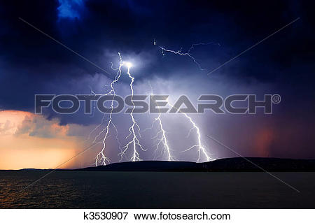Picture of storm over the lake Balaton k3530907.