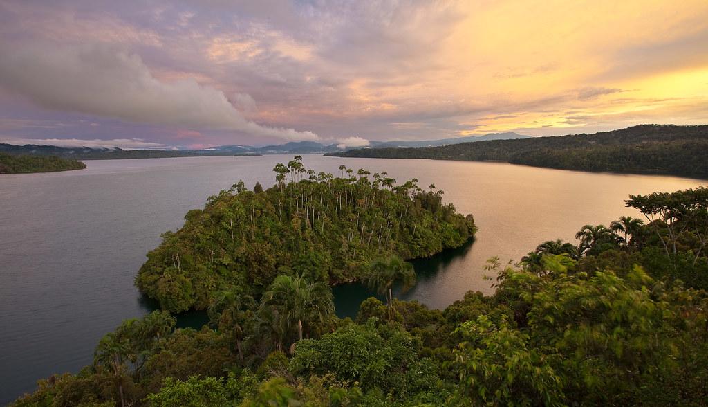 Lake Kutubu, PNG.