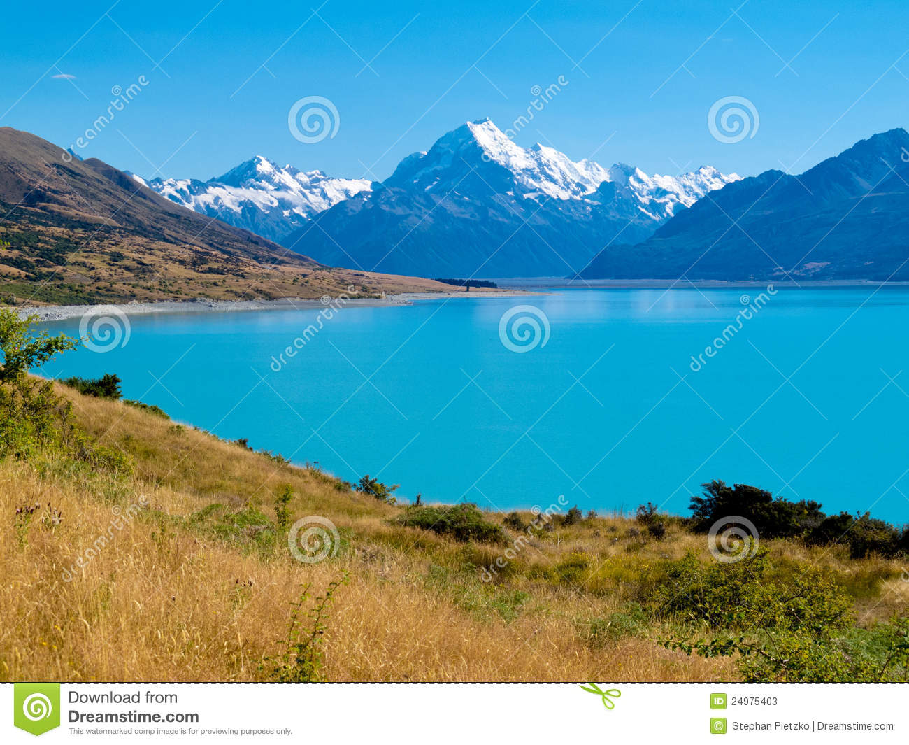 Emerald Glacier Lake Pukaki, Aoraki Mt Cook NP, NZ Stock Photos.
