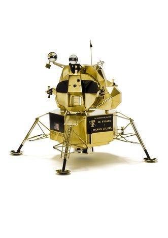 Lunar lander clipart.