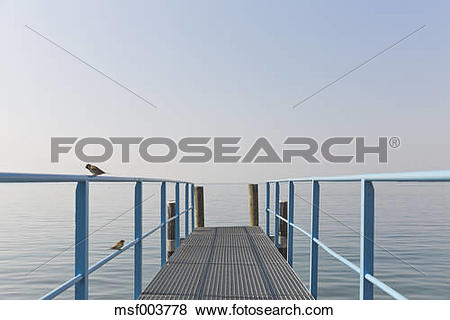 Pictures of Switzerland, Waadt, Lake Geneva, landing stage and two.