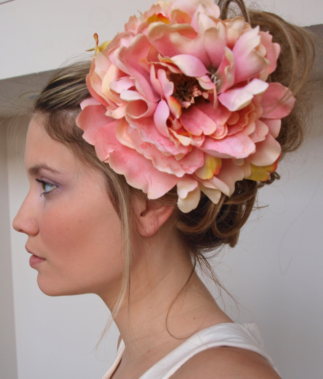the chateauroux Large Flower Hair Clip in Pink Pastel.