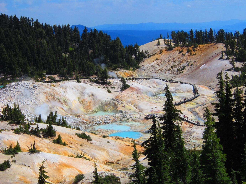Nature Backgrounds, 655712 Lassen Volcanic National Park.