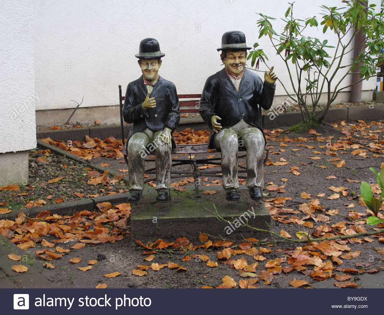 Figures Sitting Bench Stock Photos & Figures Sitting Bench Stock.