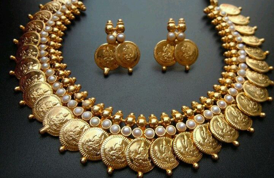 The Dazzle of Fine Indian Necklaces.