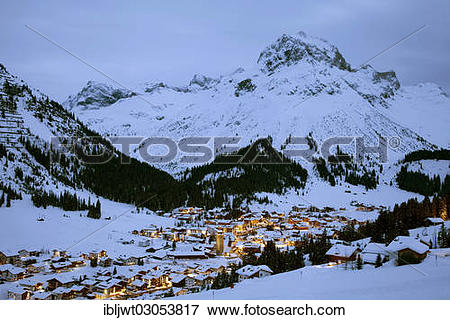 "Picture of ""Night shot of the municipality of Lech am Arlberg."