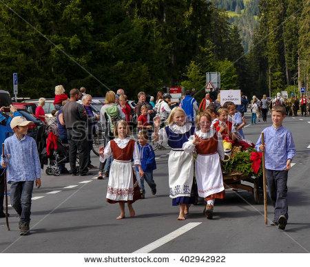 """cow Parade"""" Lizenzfreie Bilder und Vektorgrafiken kaufen."""