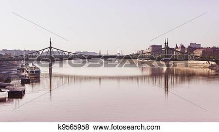 Pictures of liberty bridge, budapest k9565958.