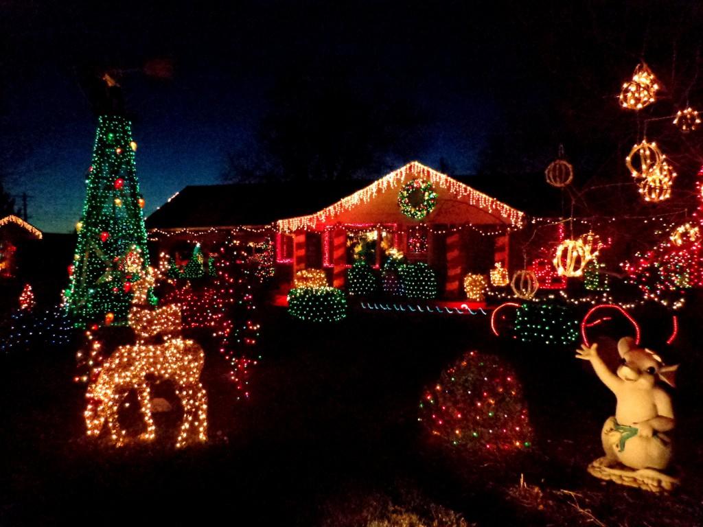 Christmas light roofline clipart.