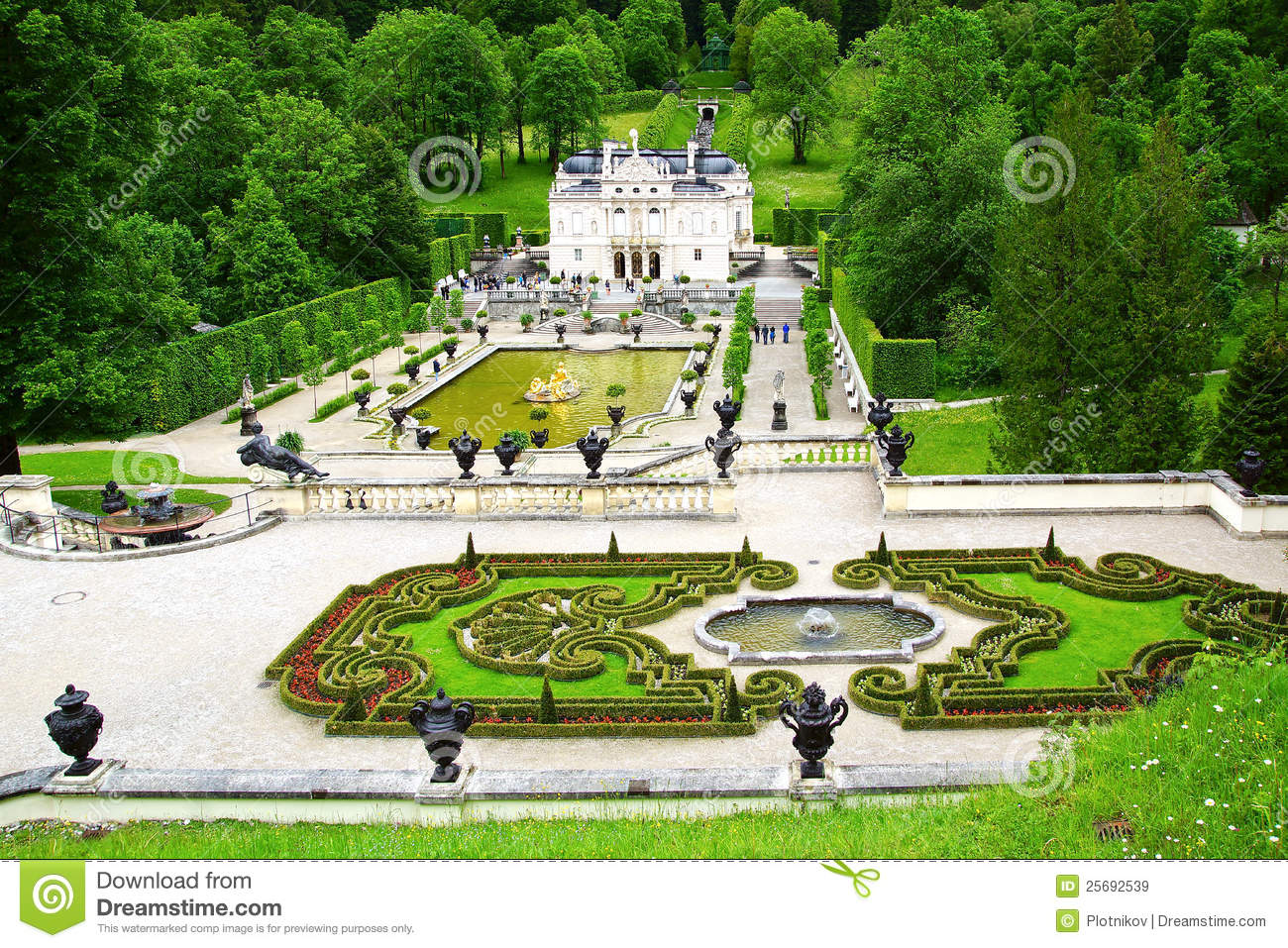 Linderhof Palace Garden. Royalty Free Stock Images.