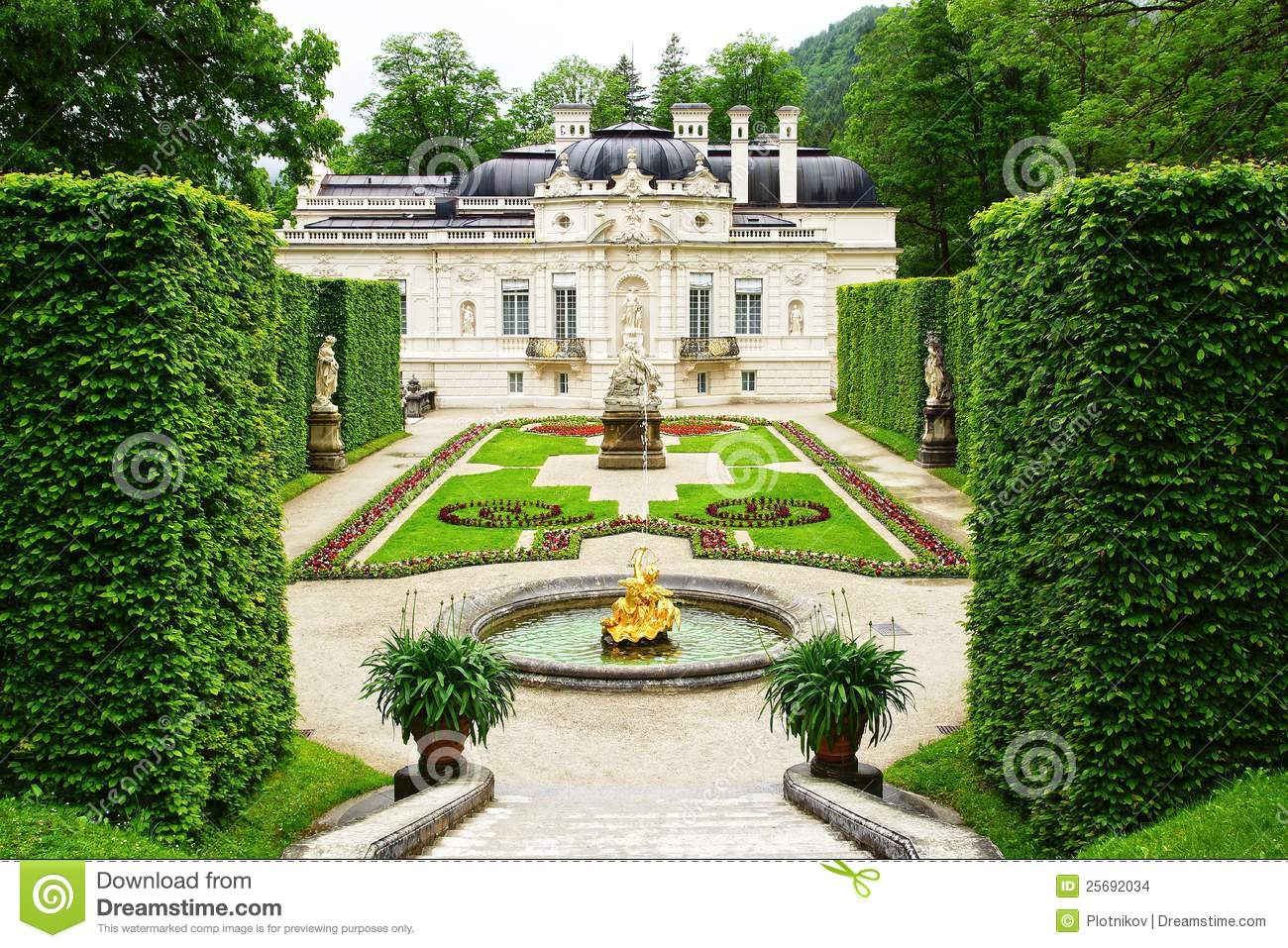 Linderhof Palace Garden. Stock Images.