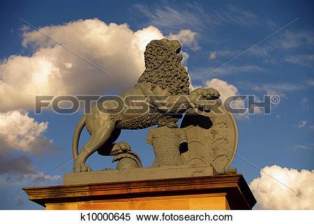 Stock Image of Statue of lion at New Castle in Stuttgart k10000645.