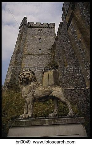 Stock Photograph of Statue of a Lion at Arundel Castle bri0049.