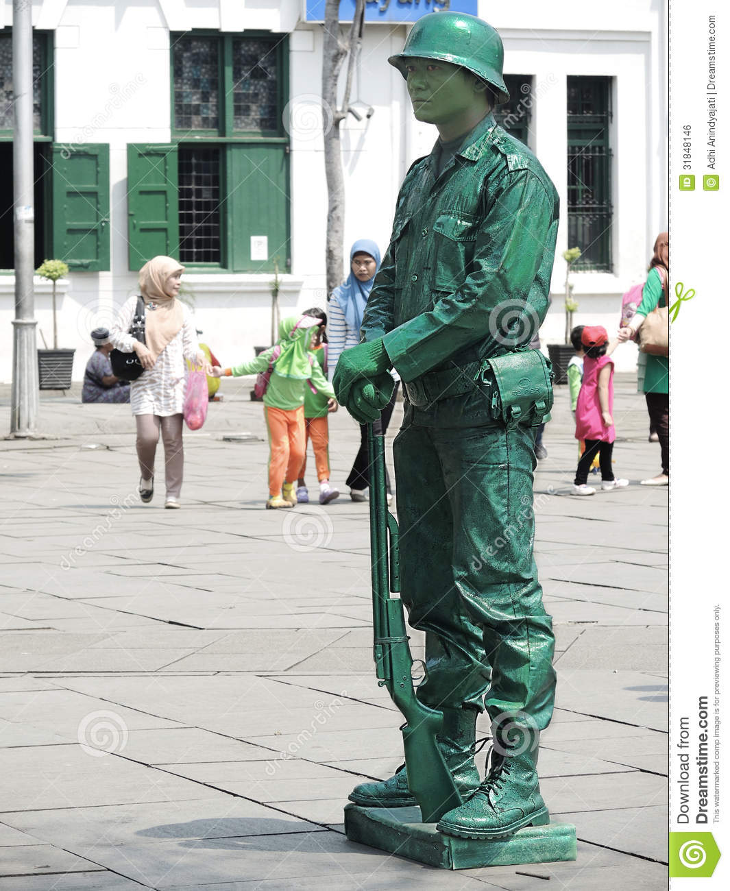 Human Statue.