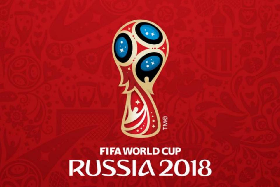 Philips brinca com logo da Copa e agradece semelhança.