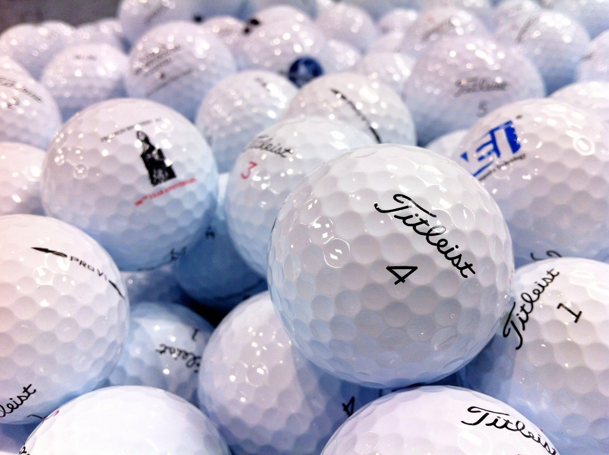 Titleist Pro V1/Pro V1x Logo Overrun Golf Balls 3 Dozen (36 Balls).