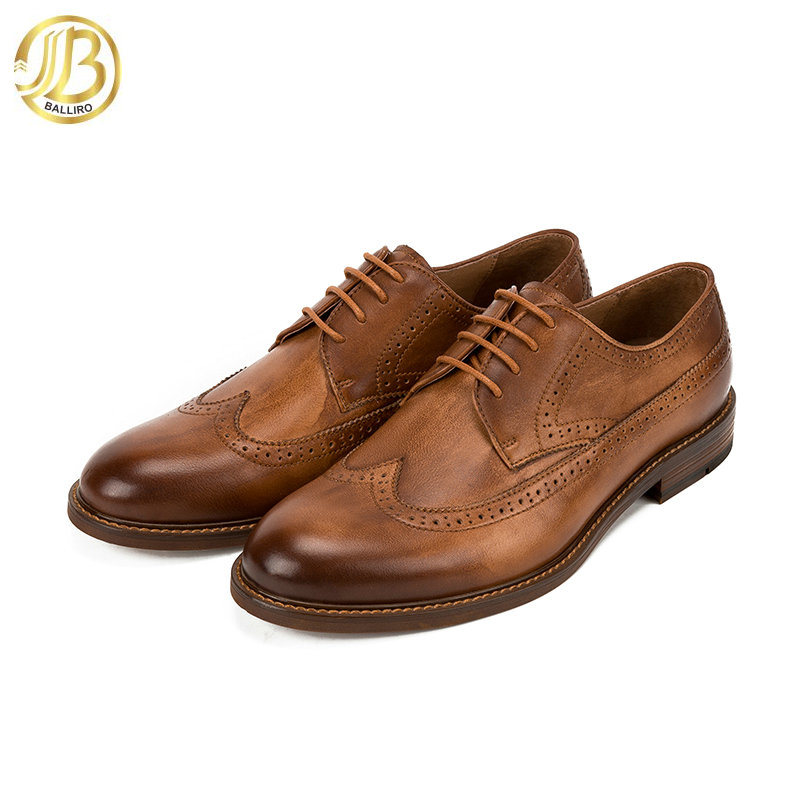 [Hot Item] Custom Logo Man Leather Shoe Handmade Brogue Oxford Leather Men  Shoes Retro Style.
