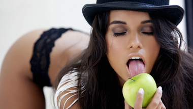 lupe fuentes clipart #3