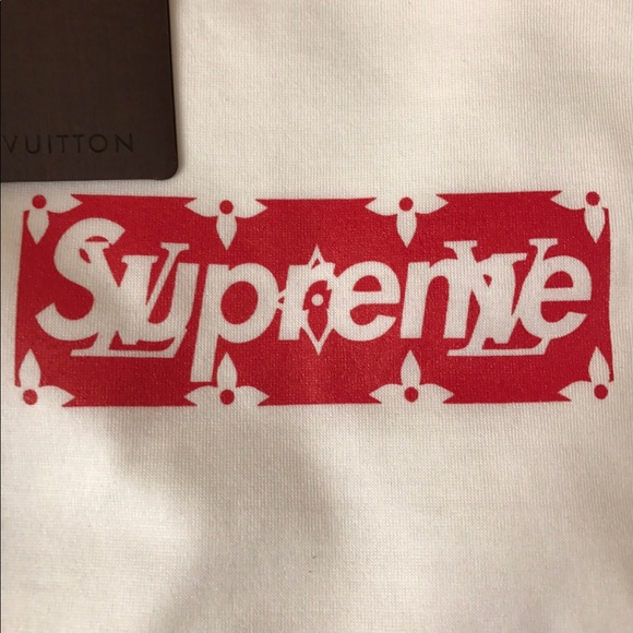 Supreme Louis Vuitton Box Logo NWT.
