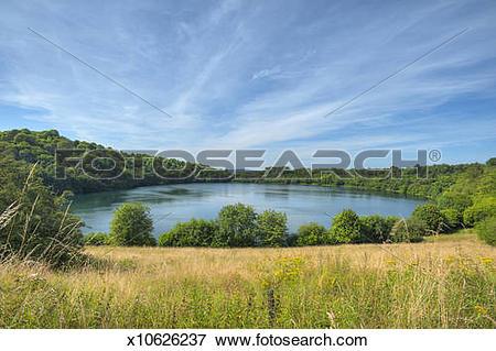Picture of Weinfelder maar lake x10626237.