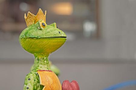 青蛙王子图片大全素材库_青蛙王子背景图片,摄影照片免费下载.