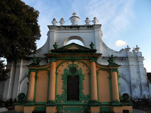 Free photo: Makam Asta Tinggi, Sumenep, Madura.