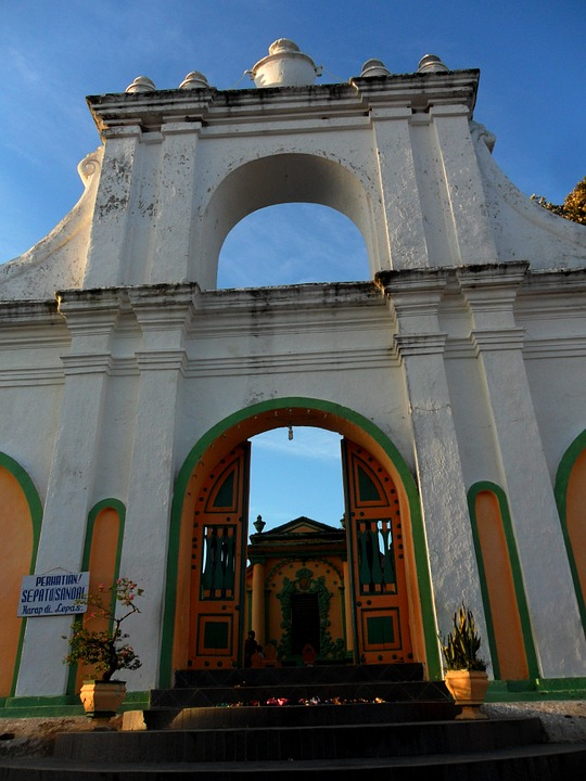 Free photo Sumenep Makam Asta Tinggi Madura East Java.