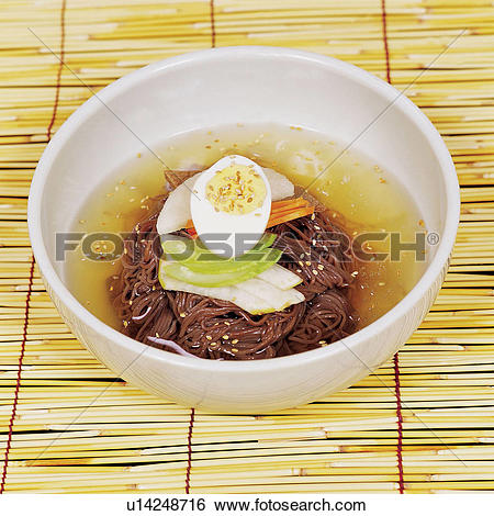 Stock Images of Cold Noodles with Sesame Sauce u14248716.
