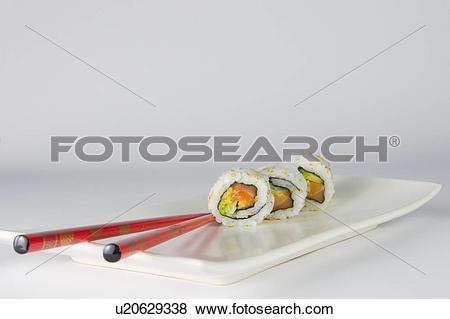 Pictures of rice, ready, seaweed, makizushi, sushi, chopsticks.