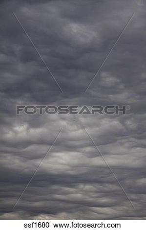 Stock Photography of Threatening Mammatus type clouds forming.