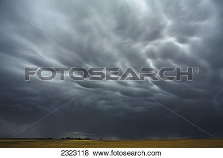 Pictures of Mammatus storm clouds above the saskatchewan prairies.