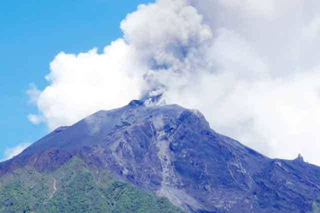 PNG's Manam volcano erupts.