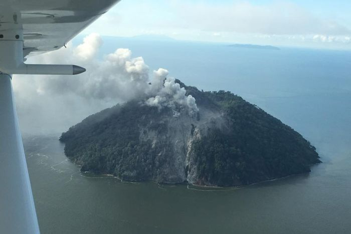 PNG volcano: Authorities to resettle 2,000 evacuees on.