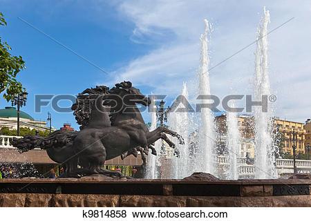 "Pictures of Fountain ""Four seasons"" (horses), Manezhnaya Square."
