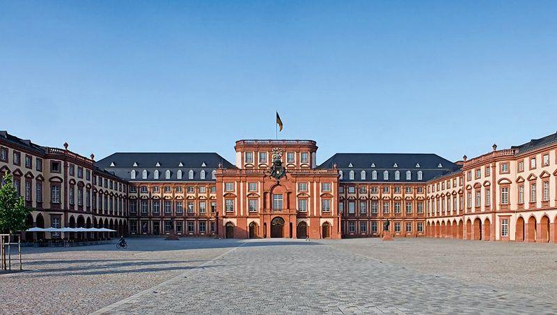 Mannheim Baroque Palace: Staatliche Schlösser und Gärten Baden.