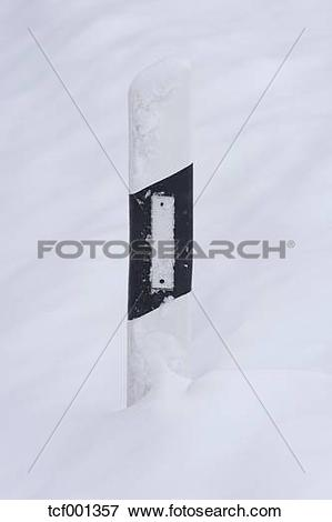 Picture of Germany, Bavaria, Wadlhausen, snow.