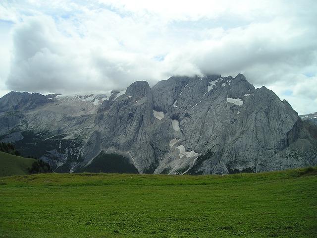 Free photo Italy Marmolada Gondola Marmolada Dolomites.
