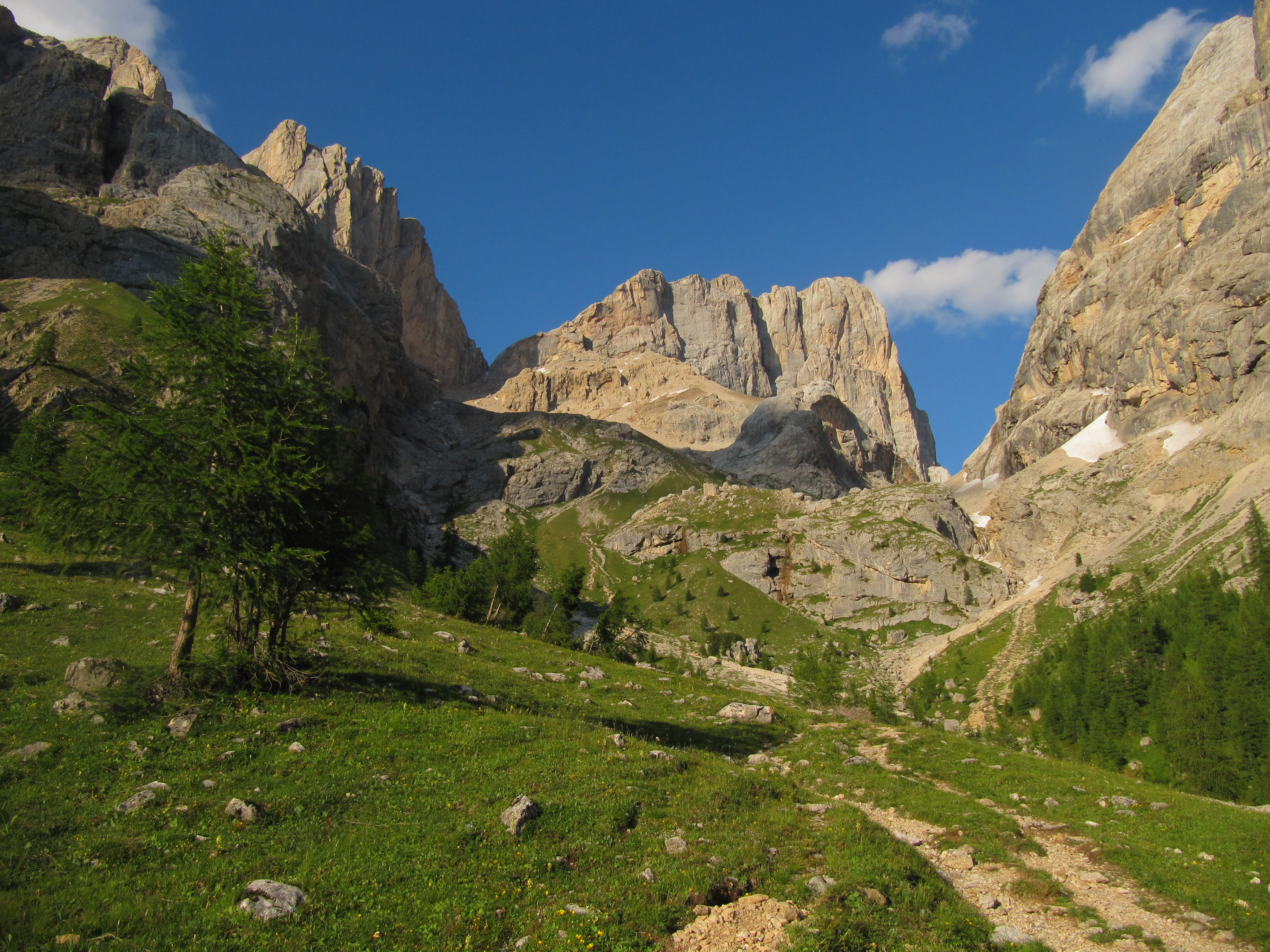 Marmolada South Wall : Photos, Diagrams & Topos : SummitPost.