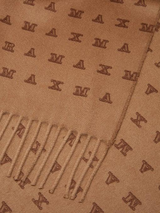 Logo scarf.