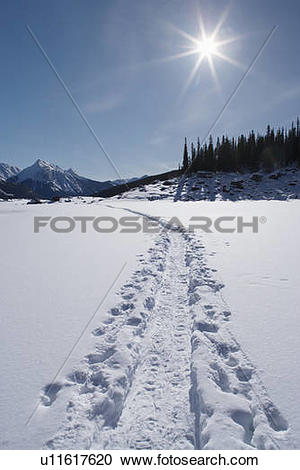 Stock Photography of Medicine Lake in winter.