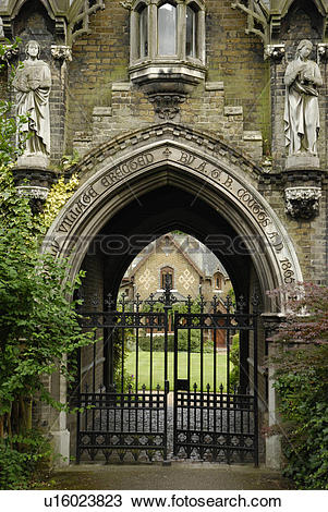 Stock Photo of England, London, Highgate, The entrance to Holly.