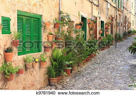 Stock Photography of Mediterranean village of Valldemossa k9781940.