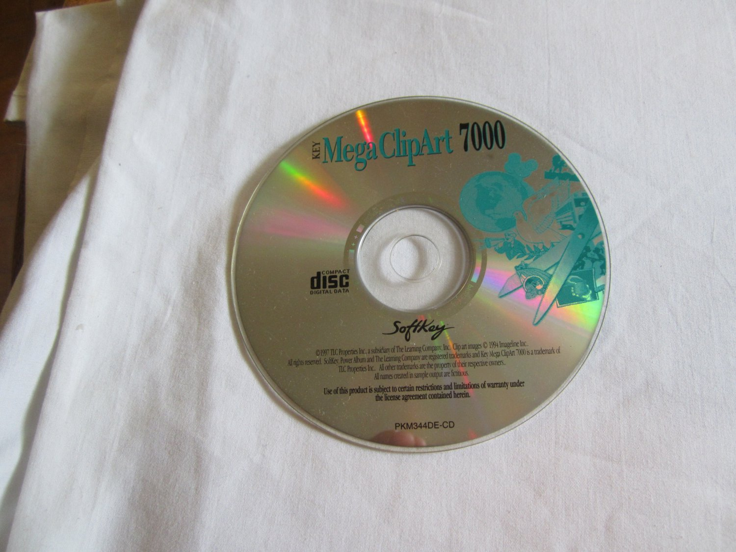 Key Mega Clipart 7000 CD ROM.