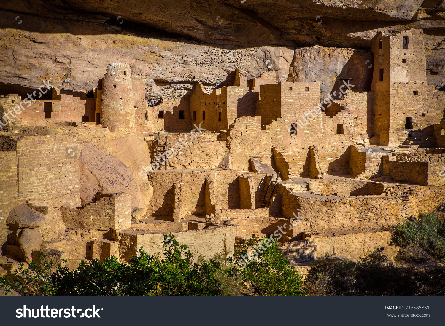 Cliff Palace Indian Ruins Mesa Verde Stock Photo 213586861.