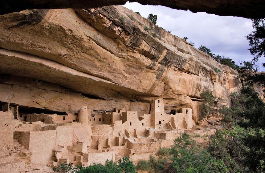 860x562px #689529 Mesa Verde National Park (327.09 KB).