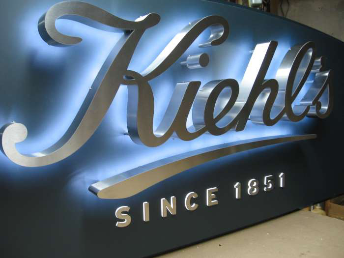 [Hot Item] 3D Business Halo Backlit LED Sign Letters Channel Letters  Waterproof Stainless Steel 3D Signs Logos Channel Letters Customized Signage.