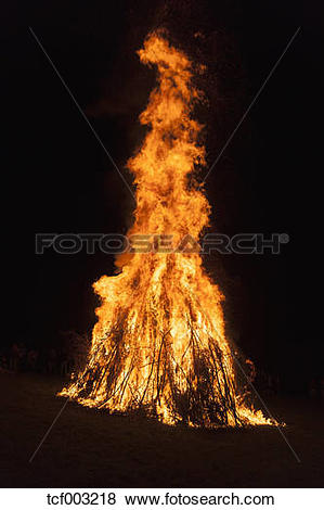 Pictures of Germany, Midsummer bonfire at night tcf003218.