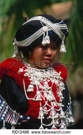 Pictures of Thailand, North,Yao (Mien) woman f0012488.
