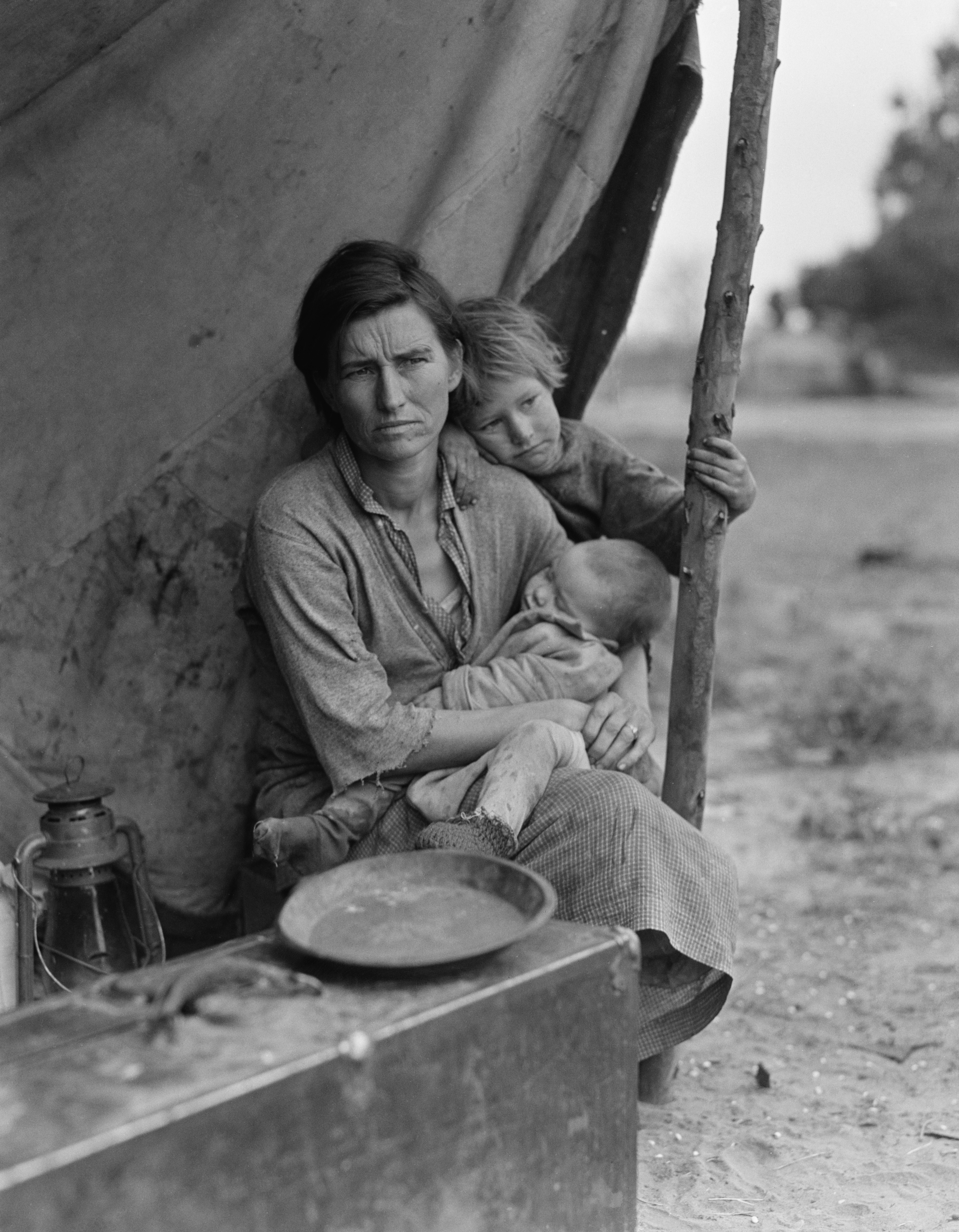 the portrayal of the american depression in the 1936 photograph of dorothea langes migrant mother