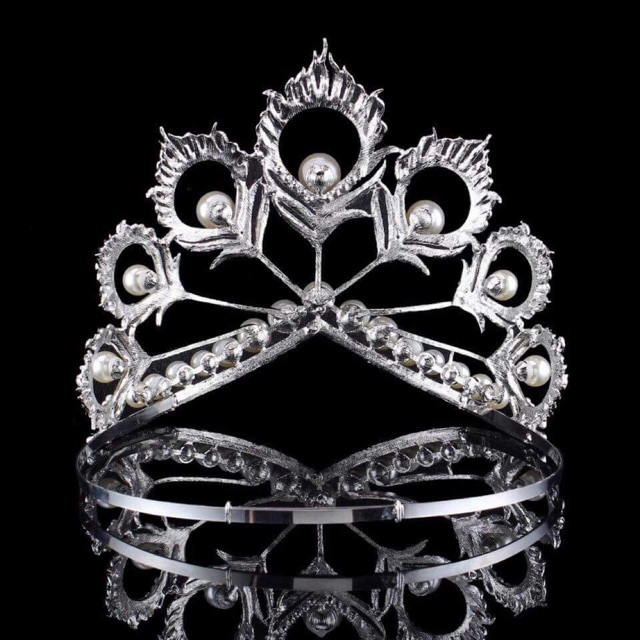 Miss Universe Mikimoto Crown and Tiara.